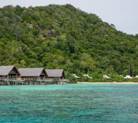 isla privada indonesia
